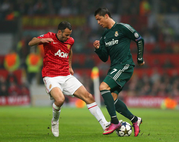 Giggs face Ronaldo (source : page Facebook de Manchester United)
