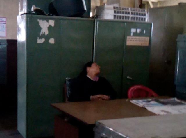 Bureau de la Nepal Electricity Authority de Durbar Marg - 28 novembre 2013 (crédit : SH)