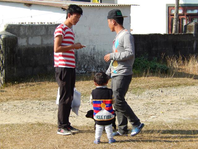 """Camp de réfugiés tibétains de Tashi Ling : il est bon de rappeler que """"Free Tibet"""" n'est pas qu'un slogan éphémère sorti à l'occasion des JO de Pékin (Crédit : S.H)."""
