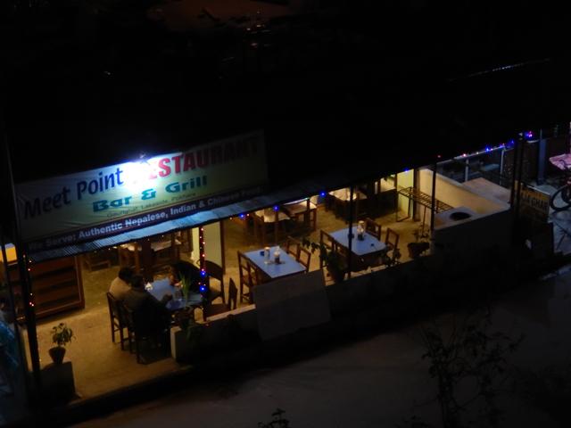 Meet Point Restaurant : lieu de rencontres nocturnes à Pokhara (Crédit : S.H)
