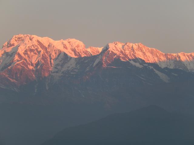Sarangkot : à gauche, les premières lueurs sur l'Annapurna (Crédit : O.B)