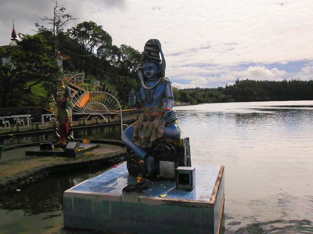 Statue de Shiva à Grand-Bassin, île Maurice © S.H
