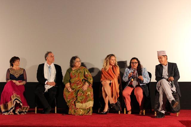 De g. à d. : Jane Charles, Jeffrey Brown, Chandni Joshi, Lisa Kristine, Sunita Dunwar et Tshering Lama © Luke Pender