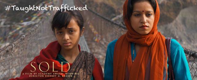 La campagne #TaughtNotTrafficked a été lancée au Népal par Childreach lors de la projection du film Sold © Childreach Nepal