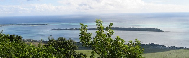 L'île aux Bénitiers vu de Chamarel © S.H