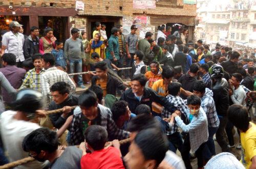 Article : Bisket Jatra : une affaire d'hommes