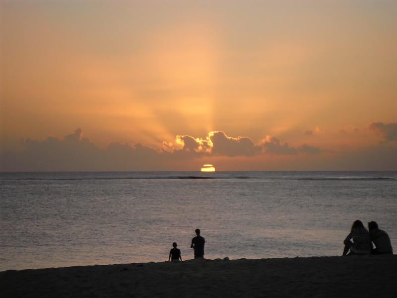 Un coucher de soleil sur la plage du Morne : tellement cliché © S.H